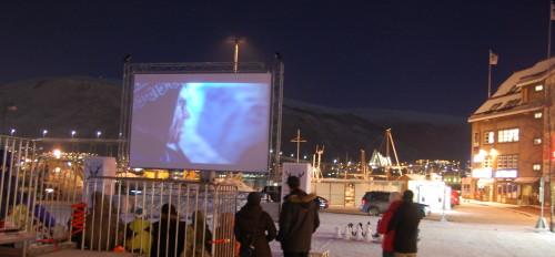 TIFF 2014: Død Snø på utekino på torget i Tromsø, kvelden 15.1.14