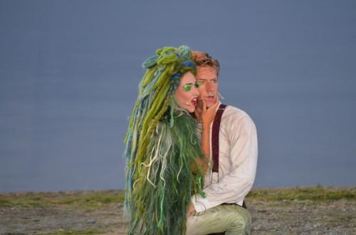 PG 2014 Peer Gynt (Mads Ousdal) og Den Grønnkledde (Marie Blokhus)  (ved Gålåvannet 06.08.14)